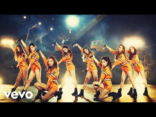GIRLS`GENERATION少女時代 - Catch Me If You Can_ Music Video
