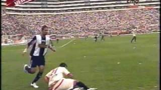 Universitario Campeon 2009 - U vs Alianza 1 a 0 - 1er tiempo.wmv