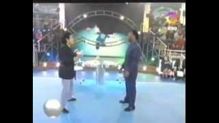 Pelé vs. Maradona - PELE WINS ! [live on TV]