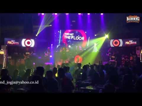 KONCO MESRA ~ KONEG LIQUID feat Galuh Rakasiwi [LIVE CONCERT - Liquid Cafe] [Cover KONEG JOGJA]