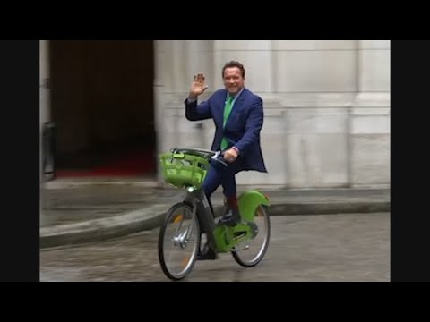 Schwarzenegger Pushes Climate Pact in Paris