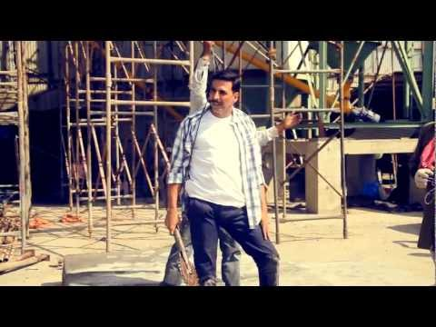 Rowdy Rathore | Akshay Kumar Performs Dangerous Stunt video