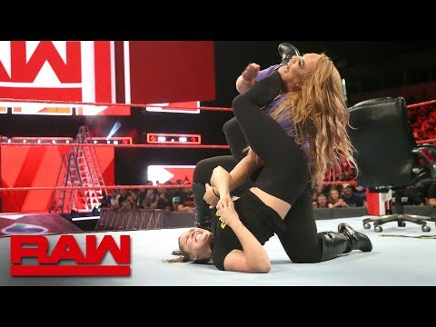 Ronda Rousey traps Nia Jax in an armbar: Raw, June 11, 2018 thumbnail