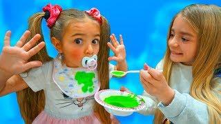 Claudia pretend play bebé y Gisele su mamá Las Ratitas
