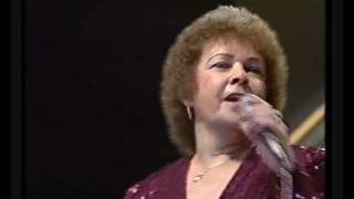 Billie Jo Spears - Blanket On The Ground Wembley England 1983