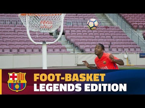 FC Barcelona on Social Media Subscribe to our official channel http://www.youtube.com/subscription_center?add_user=fcbarcelona Facebook: http://www.facebook.com/fcbarcelona Twitter: http://twi...
