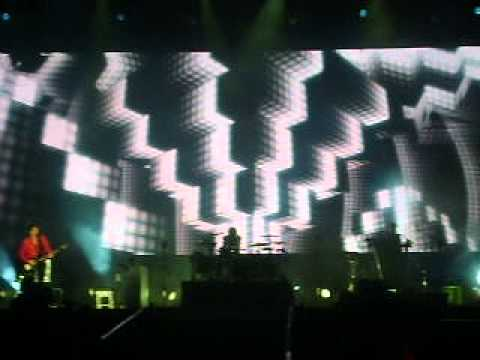 Muse - Supermassive Black Hole (Vivo Personal Fest 2013 - 13/10/2013) [4/14]
