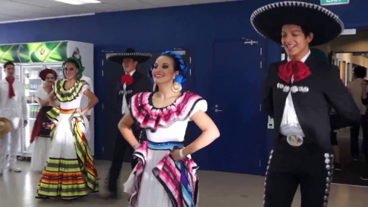 traditional mexican music and dancing from achai 2 youtube. Black Bedroom Furniture Sets. Home Design Ideas