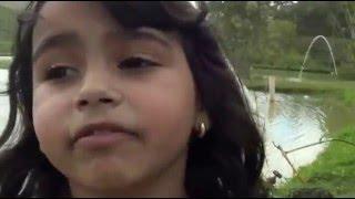 Menina Cassiane de 6 anos cantando Ressuscita-me ao ar livre