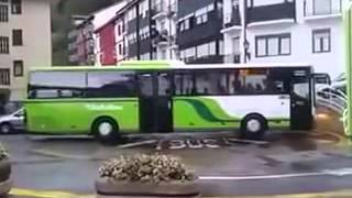 Download Turning the Bus   funny clips, funny video clips 3Gp Mp4