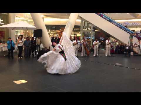 Ballet Folklórico de México de Amalia Hernández - Morena