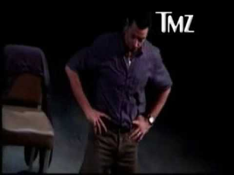 HUGH JACKMAN STOPS PLAY WHEN PHONE CALL INTERRUPTS HIM!