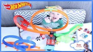 Ryan's toy review slim play with Hotwheels super loop Surprise!!!