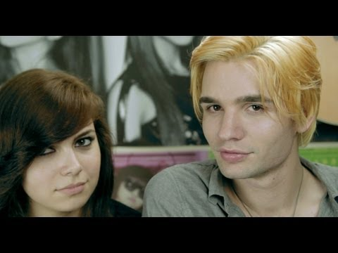 TWERKING SCENE! | Ask Cyr