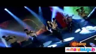 Shruti Haasan performing at SIIMA Awards 2012