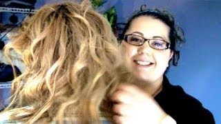 My Sister Curls My Hair (Tipsy Tutorial)