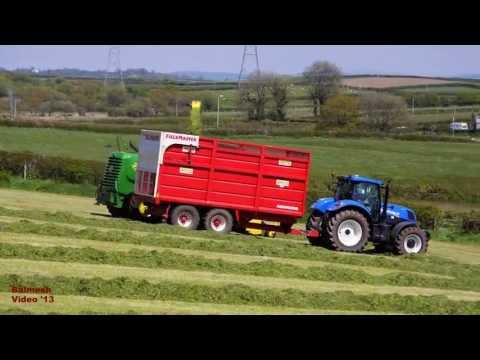 Silage '13 - The Big, Green, Grass Machine.  John Deere 7450.