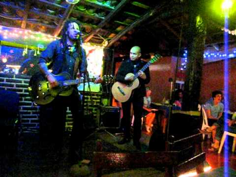 Eric McFadden&Omar Torrez jamming at the Zihuatanejo International Guitar Festival