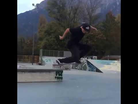 Nollie @jonny_chinaski_giger 🎥: @dariojuasz | Shralpin Skateboarding