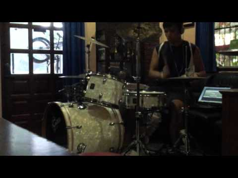 คุกเข่า Cocktail Cover Drum By HiSoScream