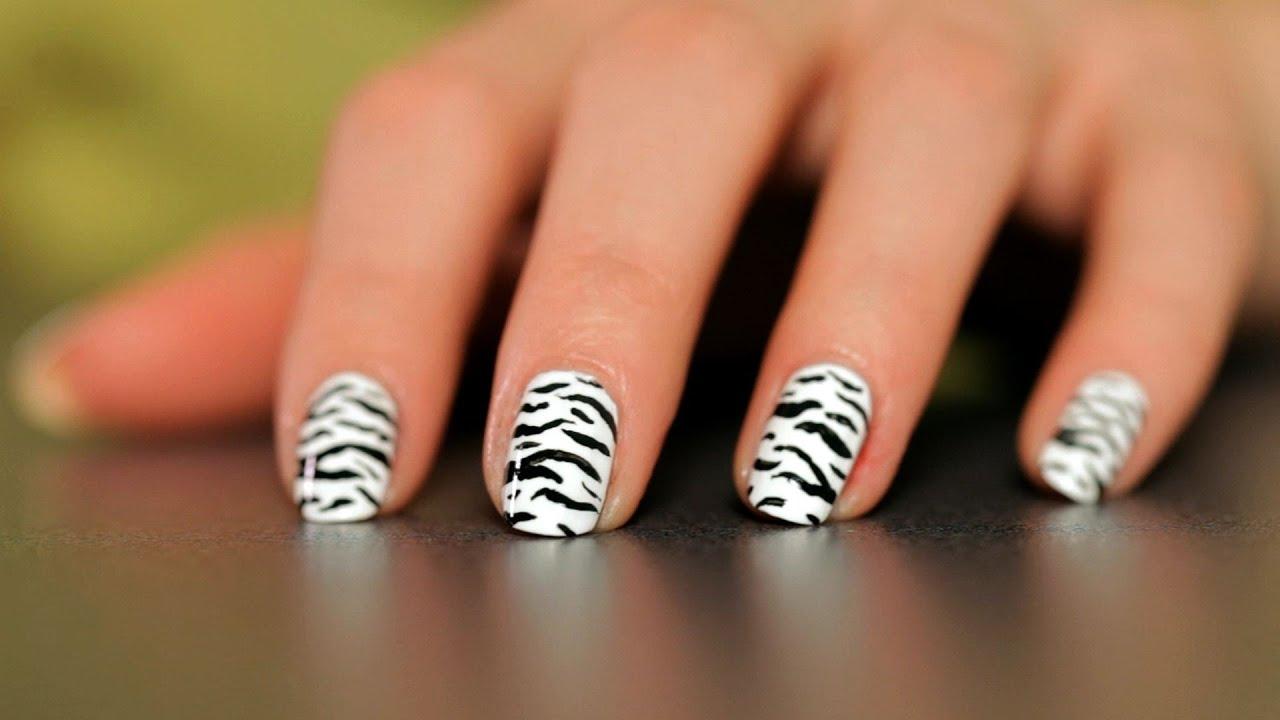 Дизайн зебра на ногтях