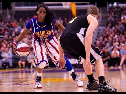 Harlem globe trotters vs all stars in Jackson MS 4th quarter.