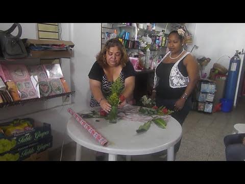 Como hacer un lindo arreglo de flores naturales