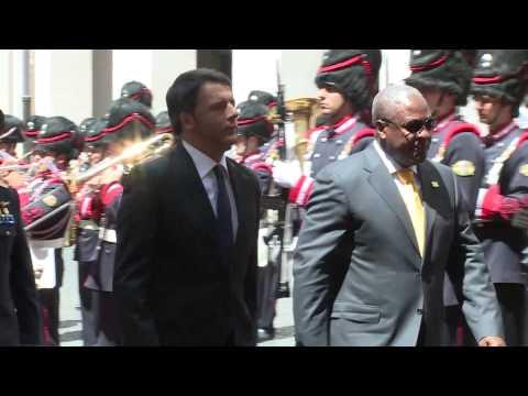 Roma - Renzi riceve il Presidente della Repubblica del Ghana (16.07.15)