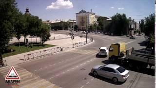 ДТП  Ленина - Мусы Джалиля. Фура Volvo vs MMC outlander. 27.06.2016