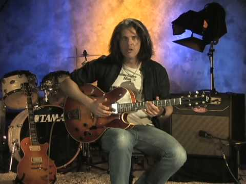Alex Skolnick teaches a ii-Vi in the Key of Bb Major