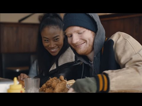 Ed Sheeran Goes SHIRTLESS In New