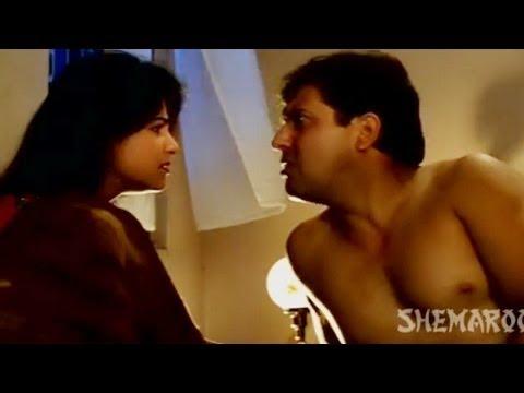 Ayesha Jhulka In Govindas Bedroom - Ekka Raja Rani