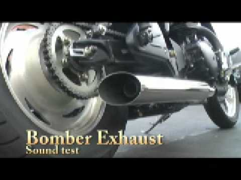 Triumph America Speedmaster Bomber Exhaust Video