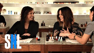 SNL Host Melissa McCarthy Raps with Vanessa Bayer