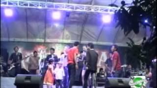 download lagu Laka Tandinge - Yayang Arafat gratis