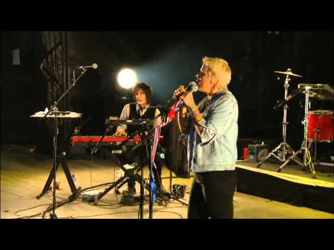 Cat Power : Glastonbury Festival 2013 (short/unbranded)