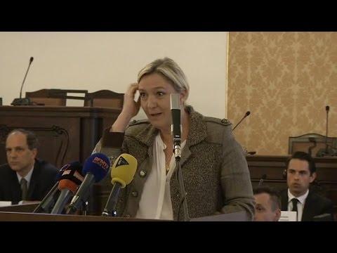 Marine Le Pen chahutée à Prague: