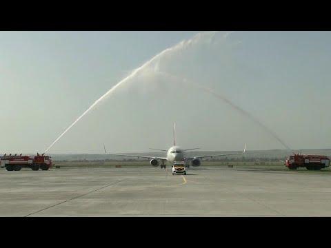 """Первый регулярный рейс принял новейший саратовский аэропорт """"Гагарин""""."""