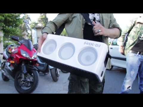 Spot - Presentación Philips M1X-DJ con Chimo Bayo