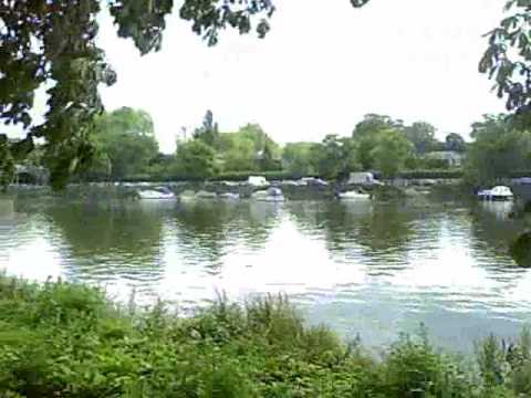 This is a film of a run along the Thames Path. It begins at Westminster Abbey and travels along the Northbank to Tower Bridge,