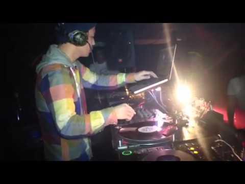 響  DJ SOULJAH