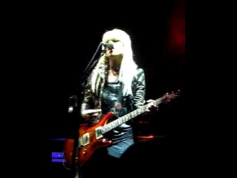 Orianthi - Give In to Me (Michael Jackson Cover) FULL SONG Live In Sydney 2010