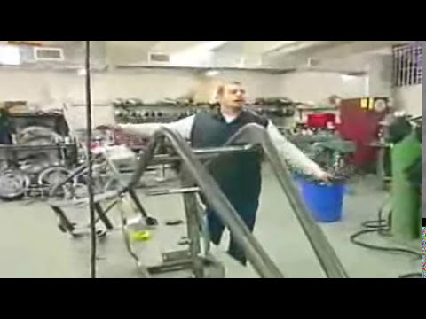 American Chopper's ( Paul SR. VS Paul JR.   AND Mike )