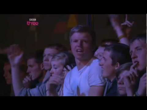 Eminem - Love The Way You Lie - Live  T in the Park 2010