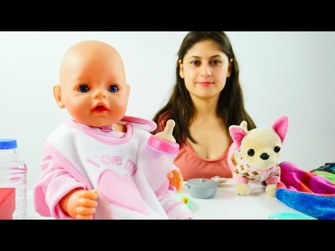 Ayşe bebek Gül için yemek yapıyor