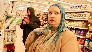 How to dye your hair blue in a grocery store