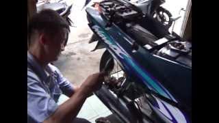 Cách tháo giảm sốc sau xe máy