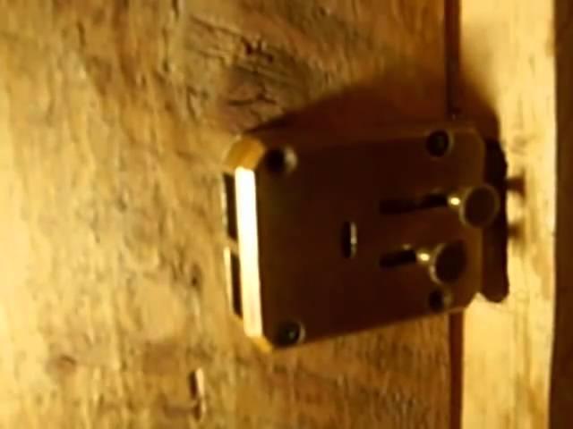 How to Pick a Lock With Hairpins. Вскрытие сувальдного замка методом самои