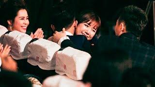 Hari Won nghẹn ngào khi Trấn Thành nhận cú đúp giải thưởng lớn(tin tuc sao viet)