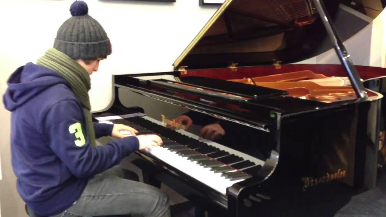 Mistral gagnant Renaud piano Cover - YouTube
